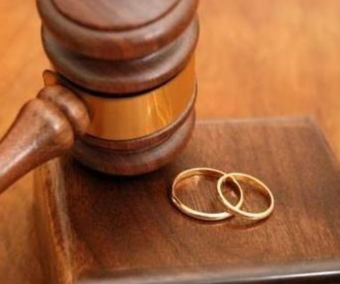 Familia y sucesiones: Áreas Jurídicas de Bidón Abogados, S.L.