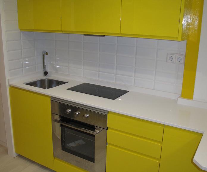 Muebles de Cocina Lacado Amarillo Brillo Intenso Encimera Silestone Blanco Zeus