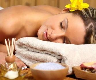 Masaje de Esencias Relajante: Tratamientos de Espacio Personal