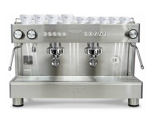Máquina café profesional. Café en grano o capsulas
