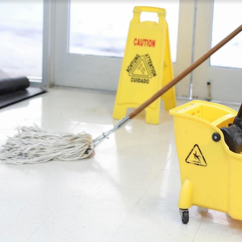 Limpieza y mantenimiento de comunidades: Servicios de limpieza de TLQ Servicios