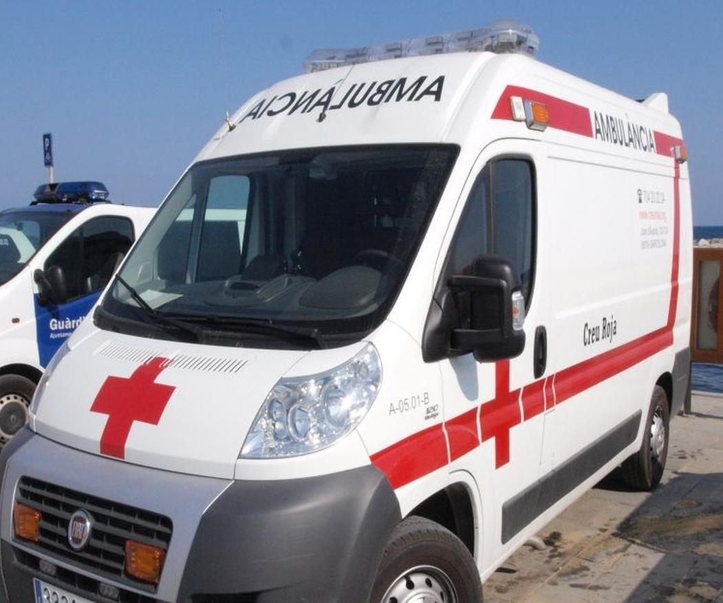 ¿Por qué las ambulancias llevan el nombre al revés?
