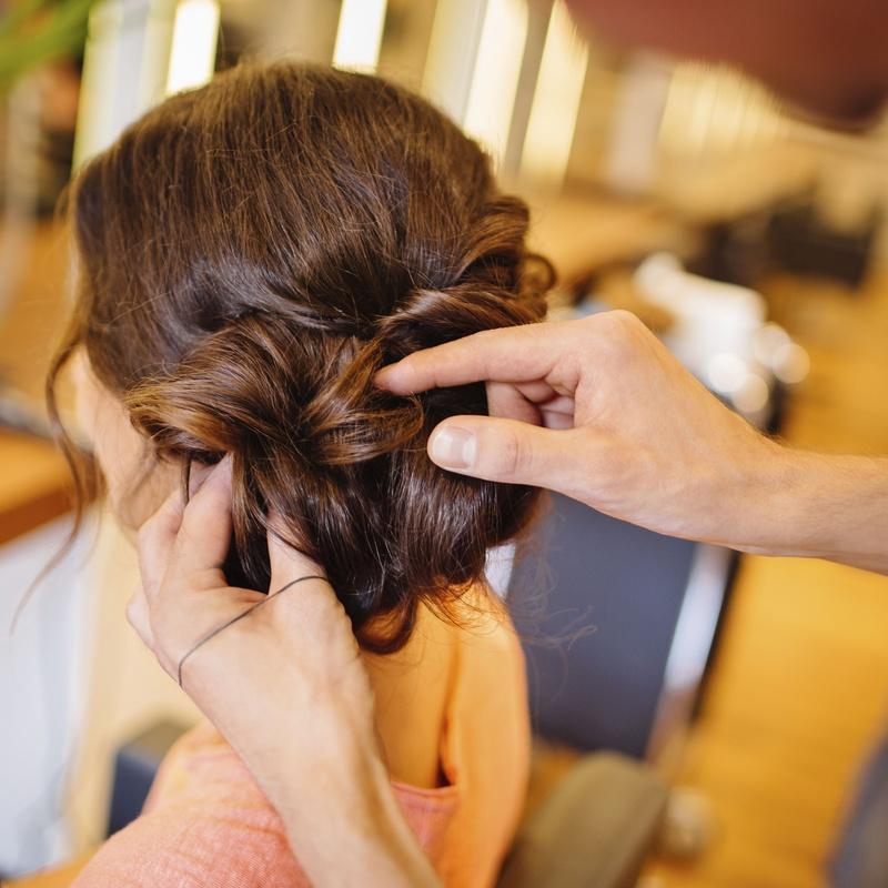 Peinados y recogidos: Nuestros servicios de D- Fonsu Peluquería Y Centro de Estética