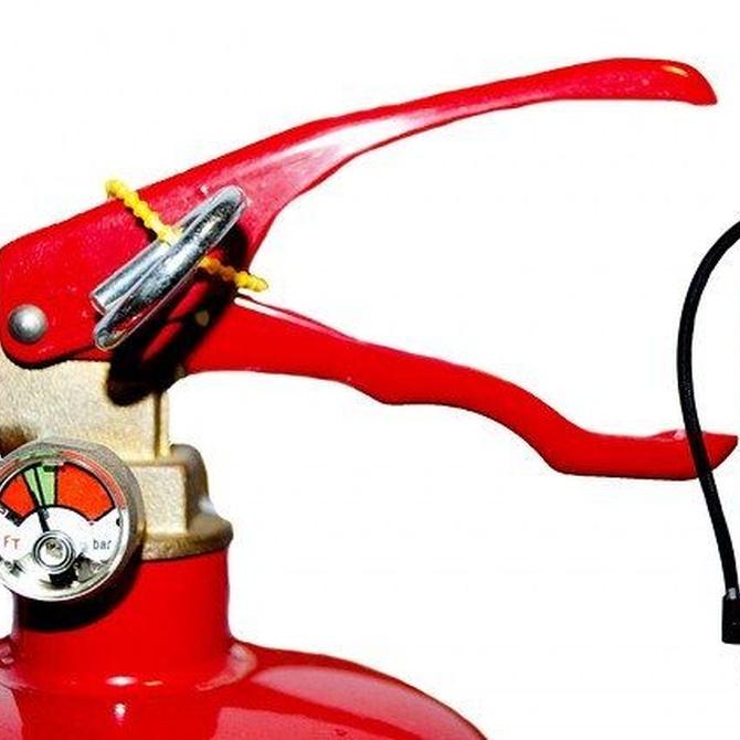 ¿Qué contiene un extintor?