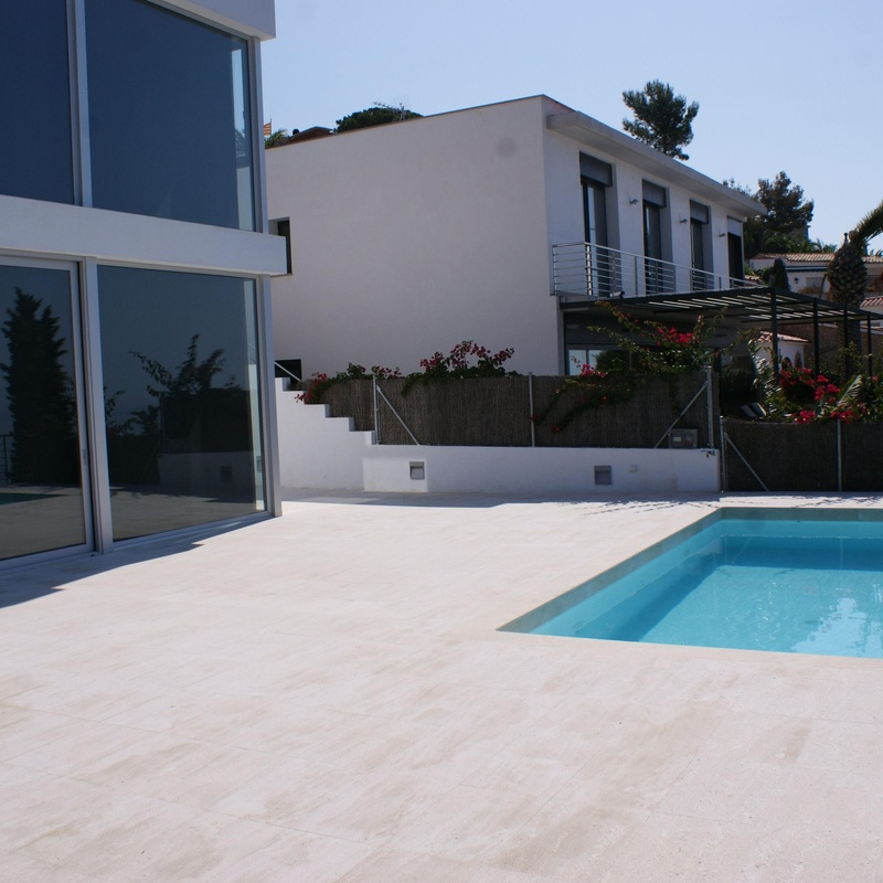 viviendas minimalistas: Productos y servicios de Jaume Montfort Romagosa