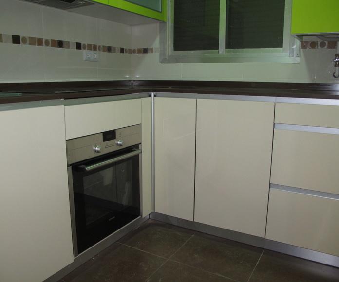 Diseños Cocinas MC Proyecto Realizado en Carabanchel: PROYECTOS REALIZADOS de Diseño Cocinas MC