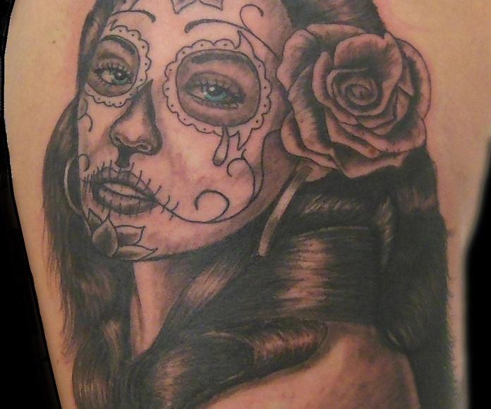 Sombras: Tatuajes de Estudio de Chus Tattoo