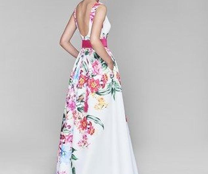 Colección María Lago Fiesta 4: Vestidos y complementos   de Caprichos