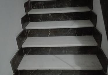 Limpieza, pulido y abrillantado de paredes, fachadas, escaleras y escalones