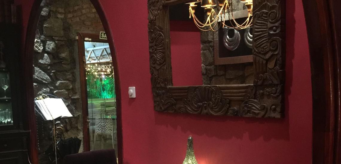 Comida de diseño en un restaurante para una cena romántica en Majadahonda