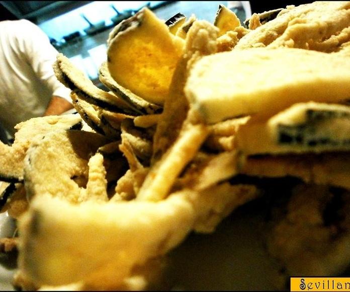 Berenjenas fritas con miel de caña de Frigiliana: CARTA EL SEVILLANO de Restaurante Rincón del Sevillano