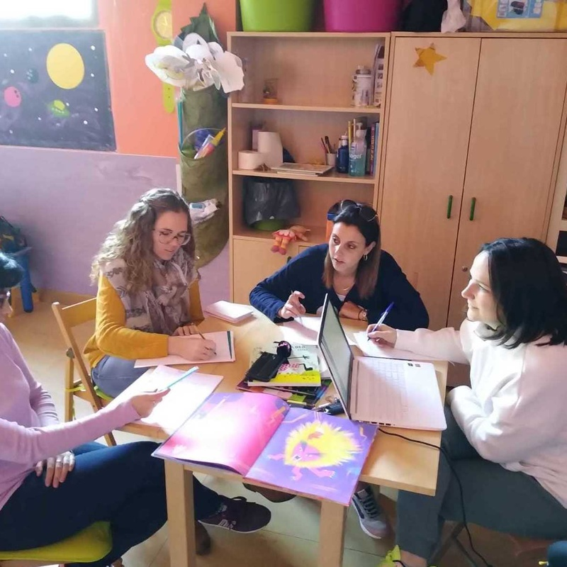 Nuestro equipo profesional: Nuestro Mundo  de Escuela Infantil Sonrisas