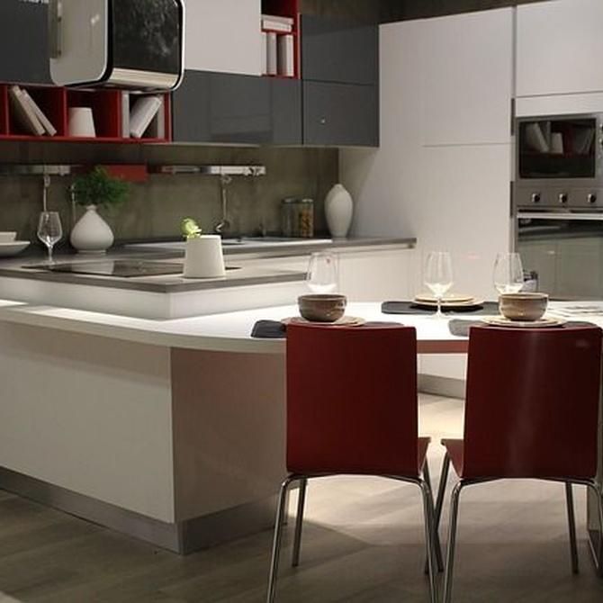 Cocinas funcionales en pisos pequeños