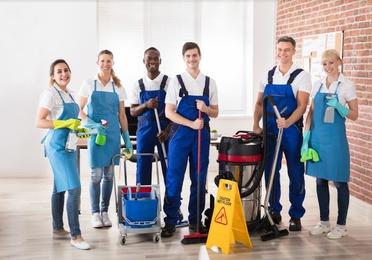 Servicio de suplencia de porteros y limpiadores