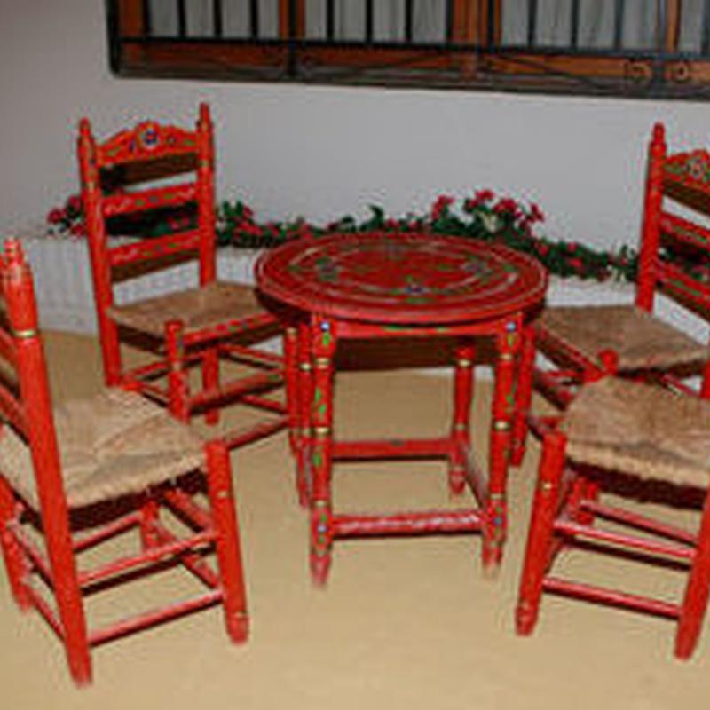 Silla sevillana roja: Catálogo de Jedal Alquileres