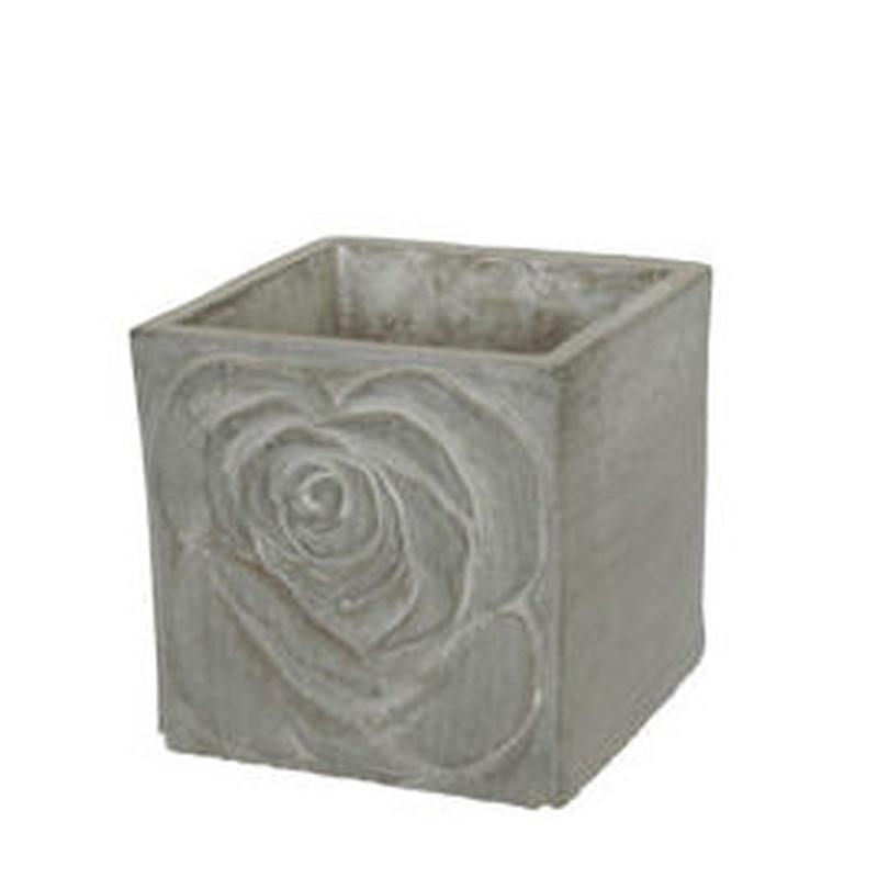 Macetero de cemento cuadrado (12 H.8,5 cm.) COLOR: Gris PRECIO: 2,50 €