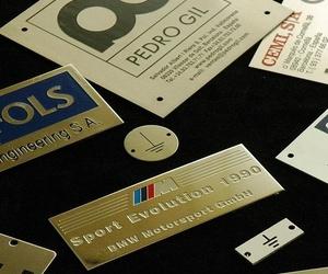 Placas de marca, logotipo o identificativas en L´ Hospitalet de Llobregat