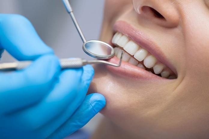 Odontología general: Tratamientos dentales de Clínica Dental Atocha