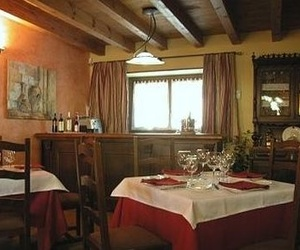 Hotel rural con restaurante en Garray