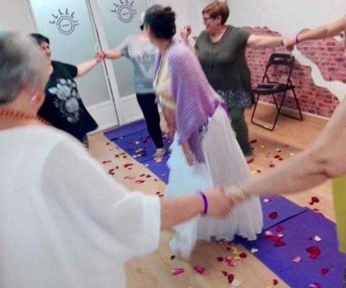 Blessing Way ... celebrando un camino de bendiciones para la futura mamá