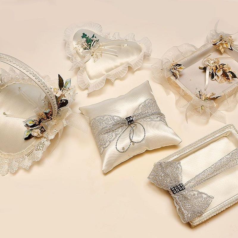 Complementos de boda: Productos de FLORISTERÍA CASA BASUSTA