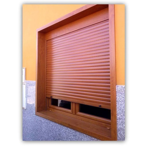Ventana en PVC con persiana integrada y mosquitera en color nogal