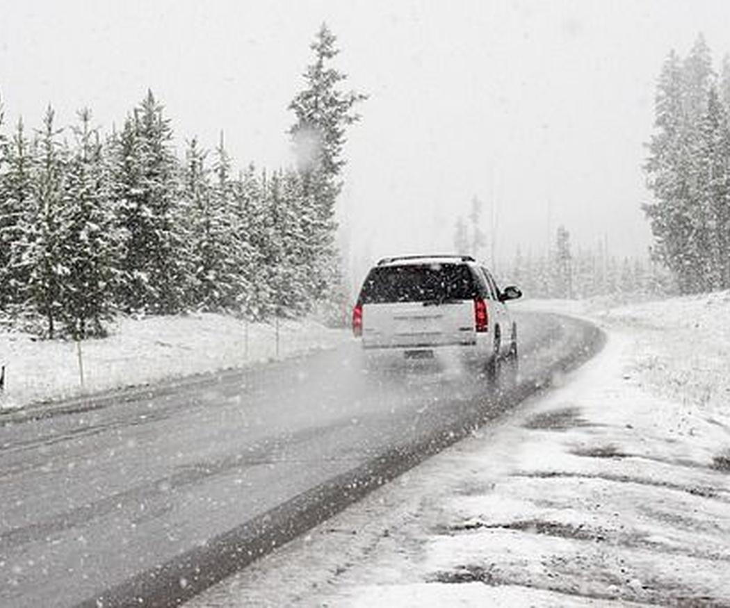 Cómo poner las cadenas de nieve a tus neumáticos