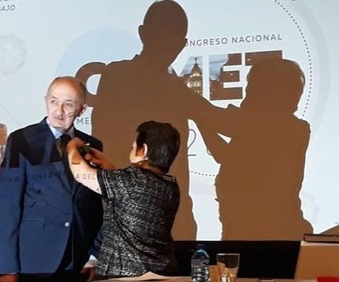 La sociedad Española de medicina y seguridad del trabajo premia al Dr. Arturo Canga Alonso
