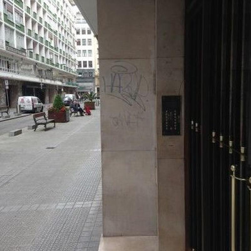 limpieza de graffitis: Servicios de Restauraciones de Mármol