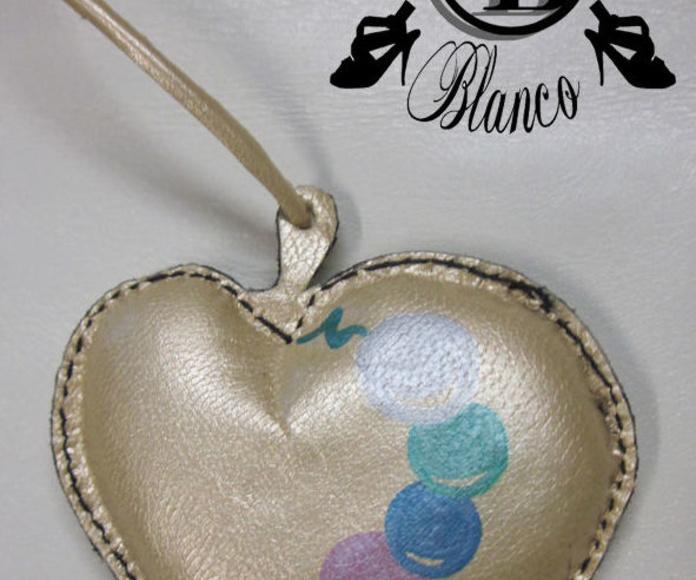 corazón piel dorado perlas