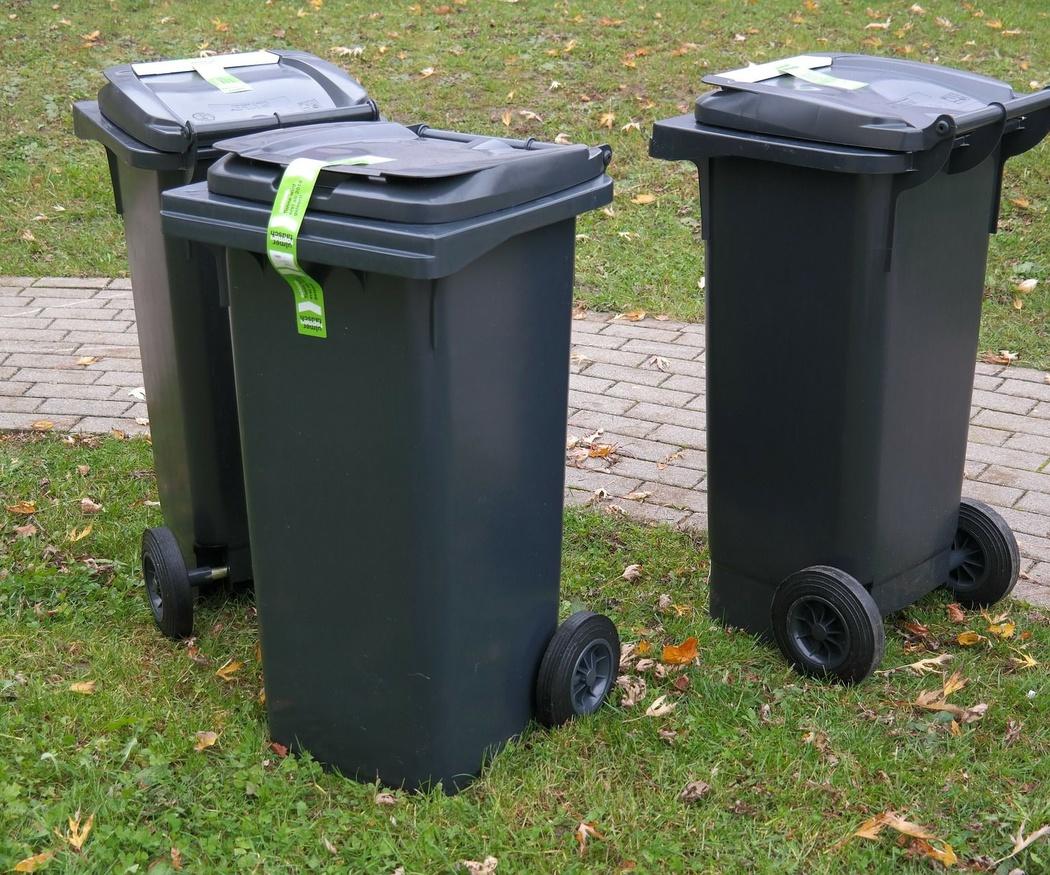 Consejos para mejorar la limpieza de los cubos de basura de tu comunidad