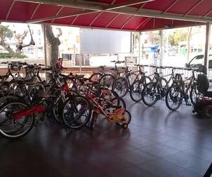 Amigo 24, alquiler de motos, bicis, patinetes y sillas de ruedas en Cambrils y Salou