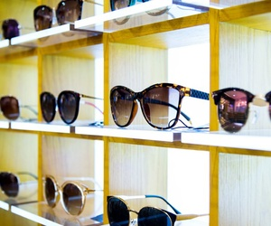 Gafas de sol de las mejores marcas en Centro Óptico Laguna, Conil de la Frontera