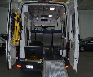 Ambulancia con UVI en Huelva