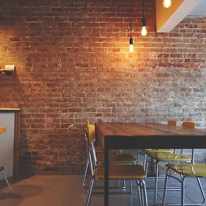 Decoración de interiores con estilo rústico, también en una vivienda de ciudad