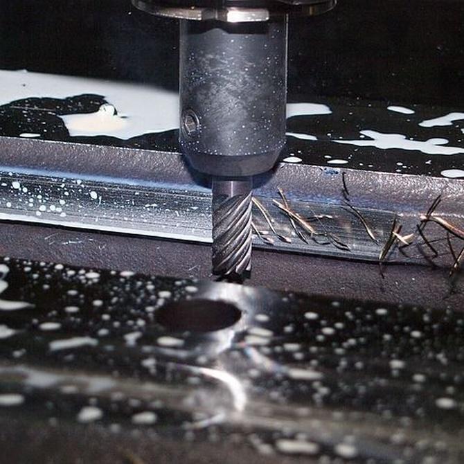 ¿En qué consiste el rectificado de superficies planas y para qué se utiliza?