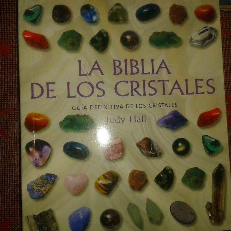 La Biblia de los Cristales: Cursos y productos de Racó Esoteric Font de mi Salut