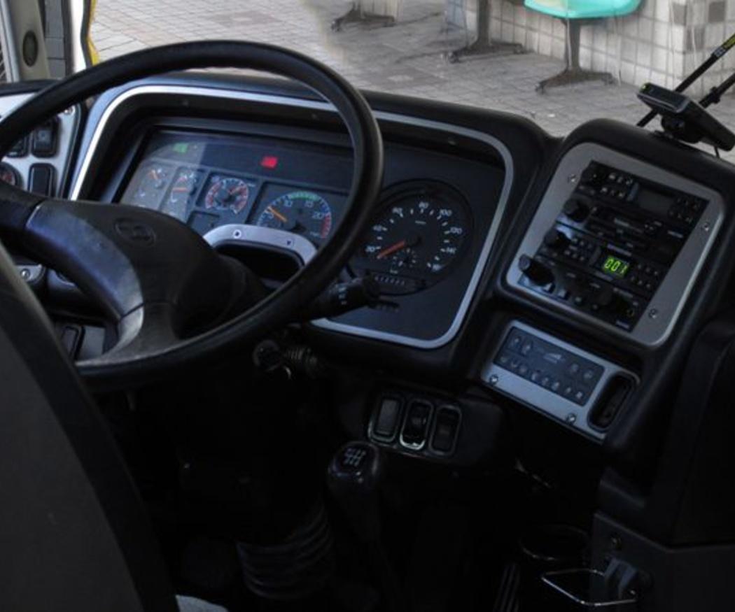 ¿Qué permiso se necesita para conducir un autocar?