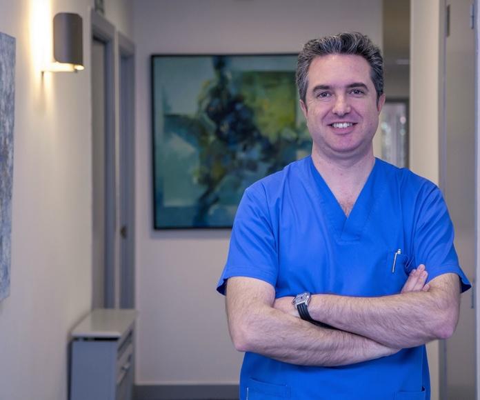 Dr. José Manuel Nuñez.  Odontologo y Magíster en implantes osteointegrados.