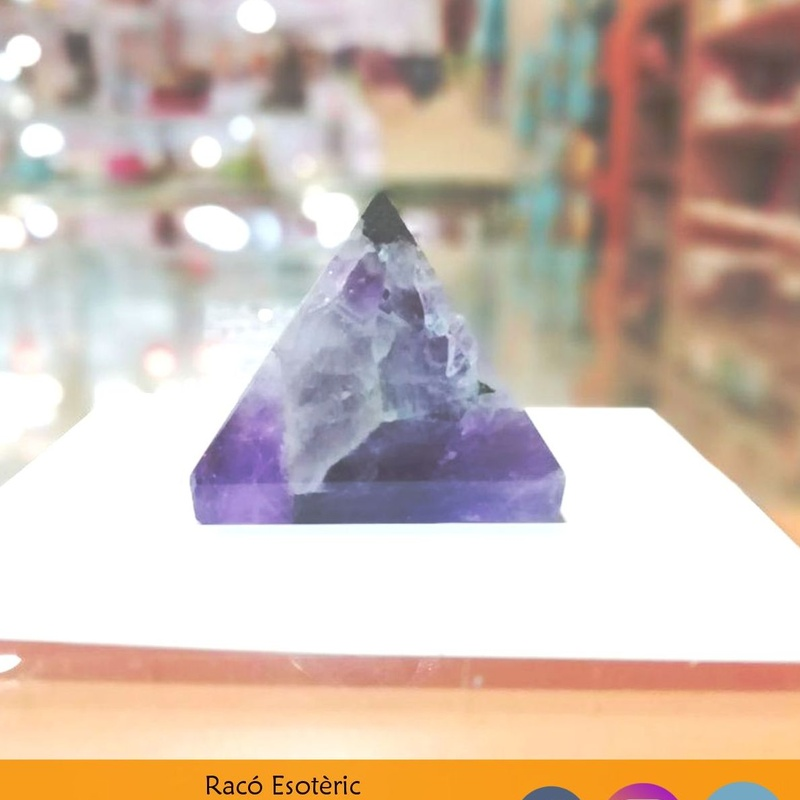 Piramide amatista: Cursos y productos de Racó Esoteric Font de mi Salut