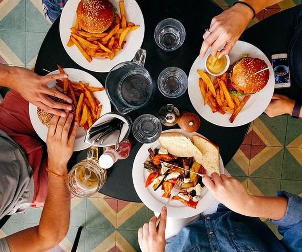 Causas de los problemas derivados de los malos hábitos de alimentación