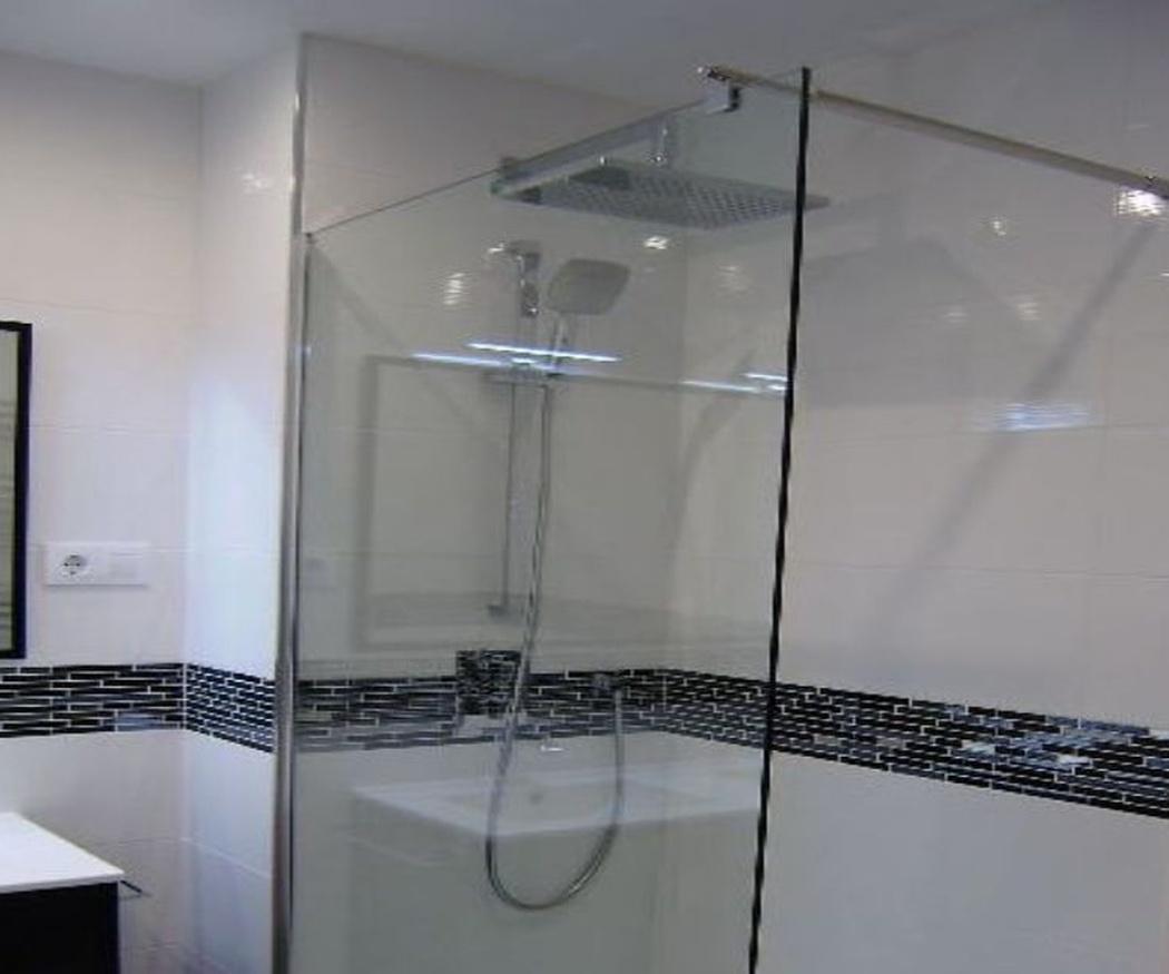 Algunos motivos para instalar una ducha
