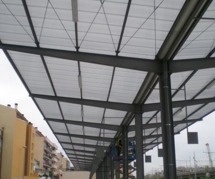 Marquesinas: Servicios y Proyectos de Estructures Metal.Liques Quintana, S. A. U