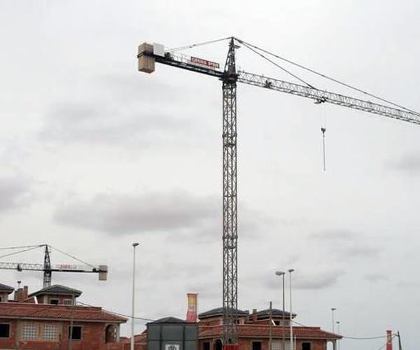 Grúas P.M., S.L., empresa ubicada en Torre-Pacheco
