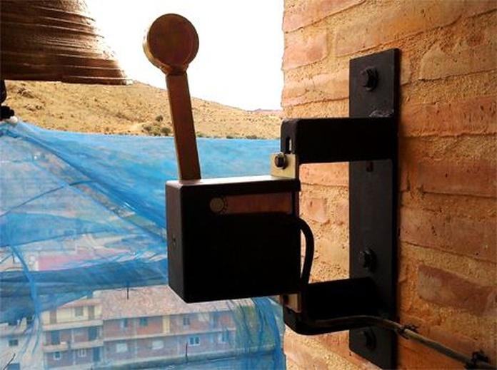 Electromazos: Servicios de Pallás Campanas y Relojes