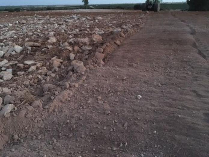 Trituración piedras: Servicios de Excavaciones y Derribos Díaz Martínez
