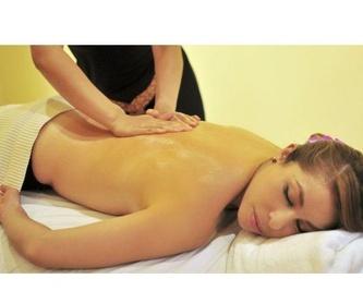 Masaje con pindas herbales calientes: Servicios   de Kwantida Thai Massage