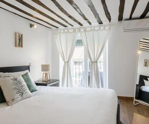 Galería de Inmobiliarias en Madrid | Golden Visa Camila Bayon