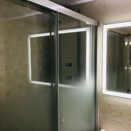 Instalación de mamparas de ducha