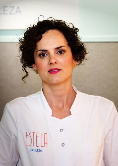 María Estela de Abajo Esteticista y fisioterapeuta especializada en fisioestética. Directora técnica del centro Estela Belleza